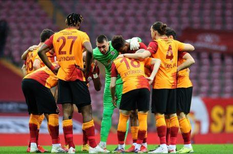 Galatasaray'ın Antalyaspor maçı kamp kadrosu belli oldu