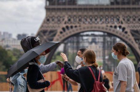 Fransa'da son 24 saatte 25 bin 207 Kovid-19 vakası kaydedildi