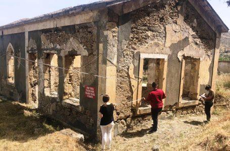 Erenköy'deki Türk mezarlıkları ile okul binası restore edilecek