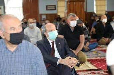 Cumhurbaşkanı Tatar,Bayram namazını Gazimağusa'da Sinan Camii'de kıldı